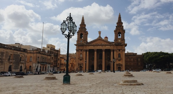 Malta had beautiful architecture and colors.